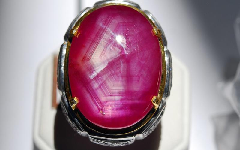 Mitos Dan Khasiat Batu Ruby