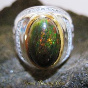 Cincin Black Opal