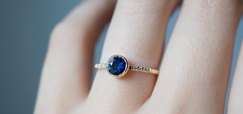 Apakah Warna Semua Batu Sapphire Berwarna Biru