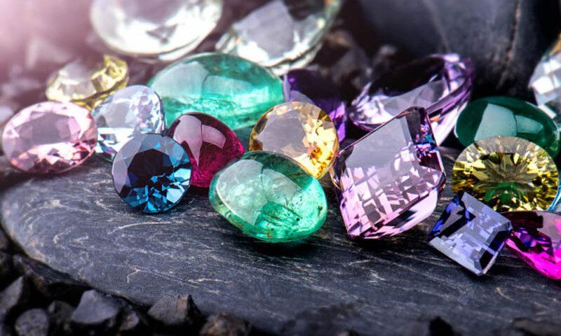 5 Keuntungan Memiliki Batu Permata Asli